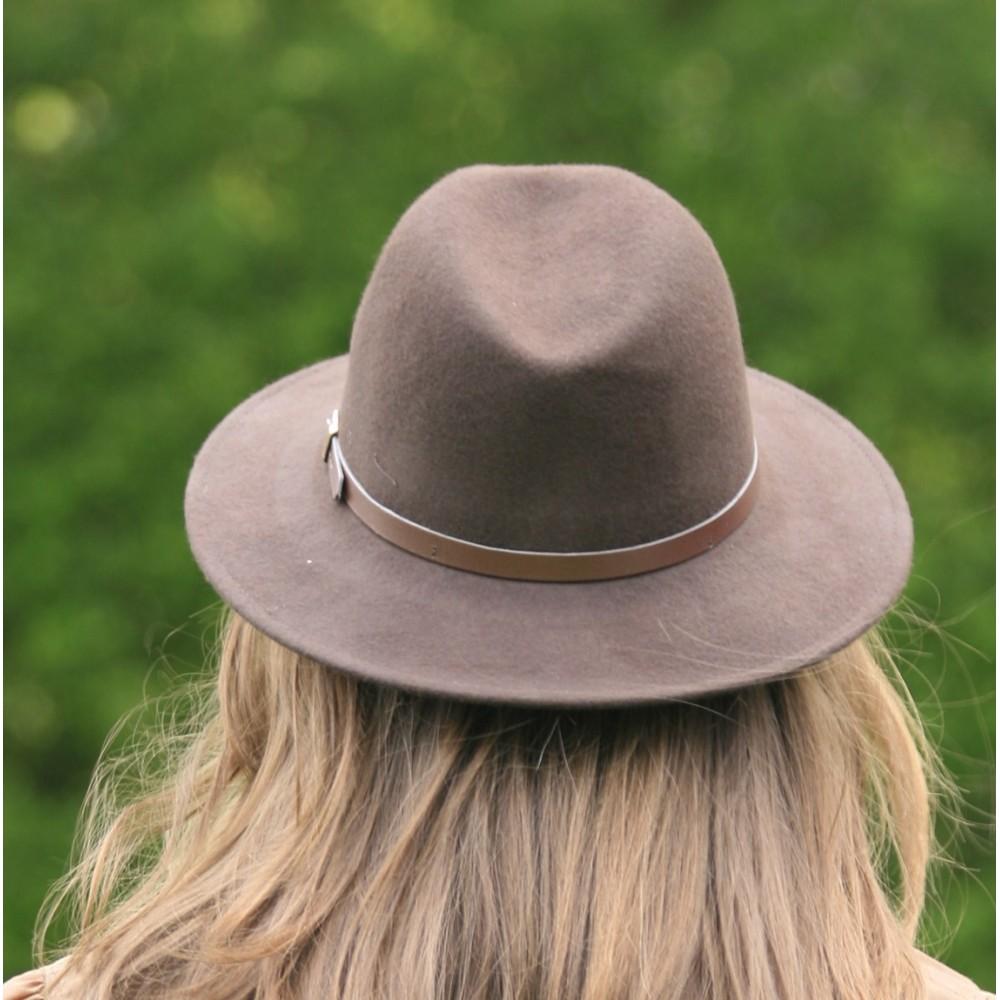 chapeau anglais en laine pour femme. Black Bedroom Furniture Sets. Home Design Ideas